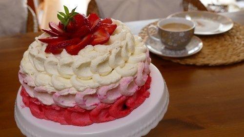 Erdbeer-Sahne-Torte mit Schwips