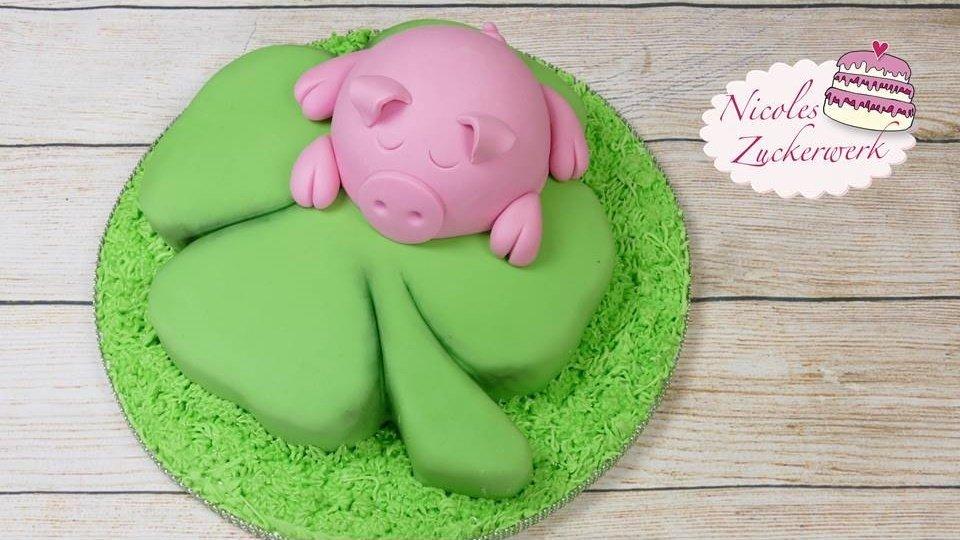Glühweinkuchen | Glücksschweinchen Motivtorte für Silvester