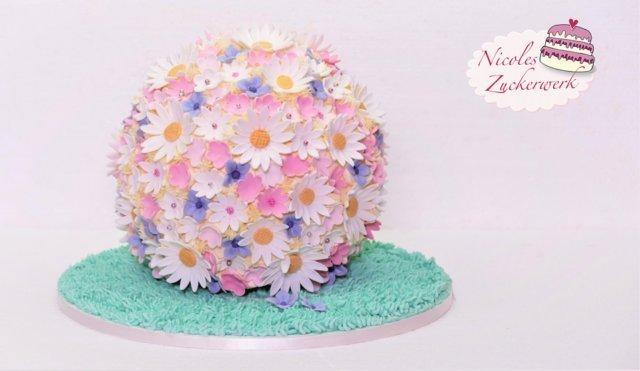 Blumenkugel – Frühlingstorte