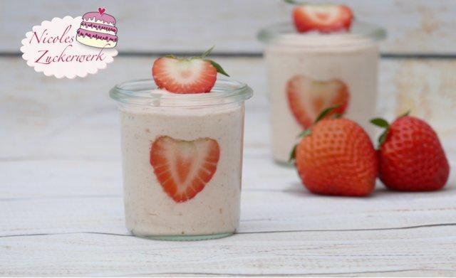 Erdbeer-Mousse ohne Ei