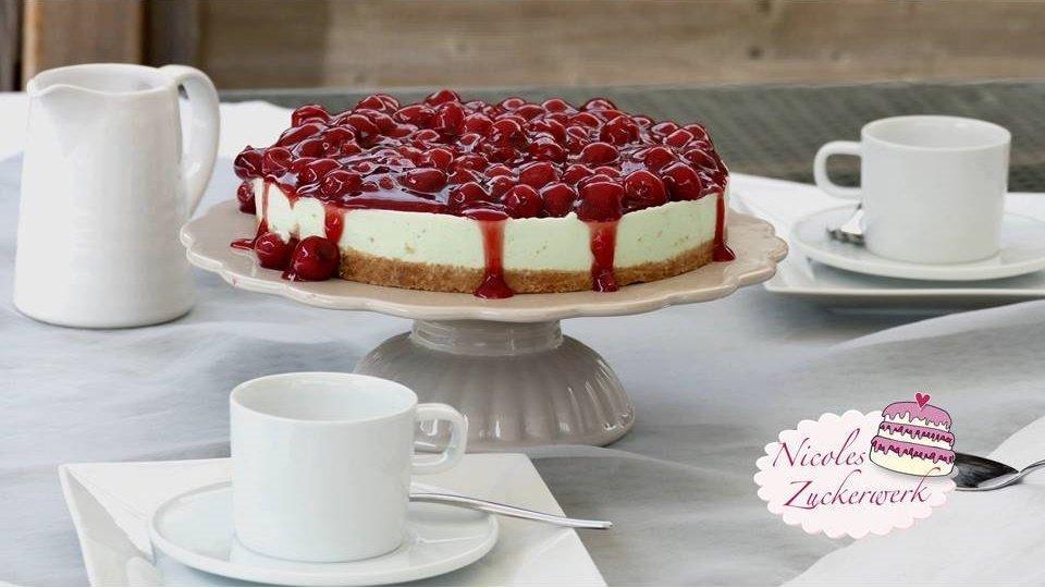 Philadelphia-Waldmeister-Torte mit Kirschgrütze I NO BAKE Sommertorte