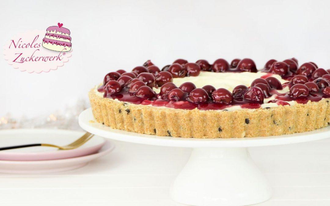 No Bake Tarte mit fruchtiger Kirschgrütze