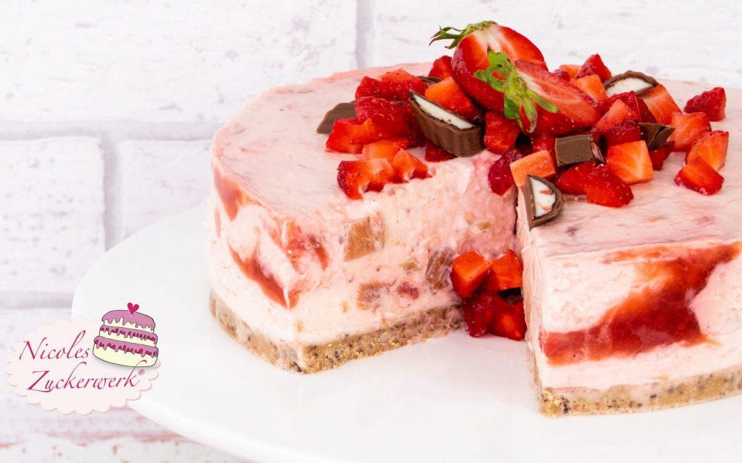 No Bake Erdbeer-Rhabarber-Torte