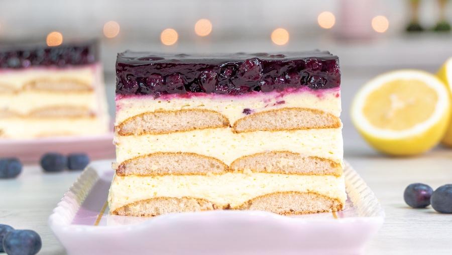 No Bake Paradiescreme Zitrone-Heidelbeer-Schnitte